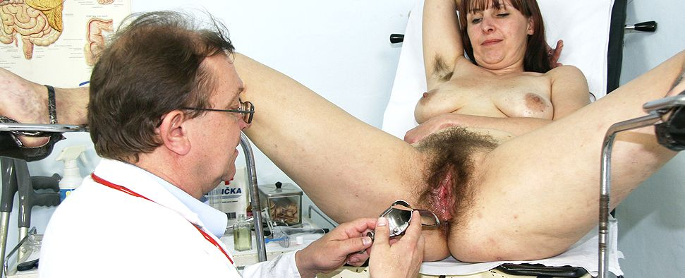 ... Hairy amateur moms at gyno doctor ...